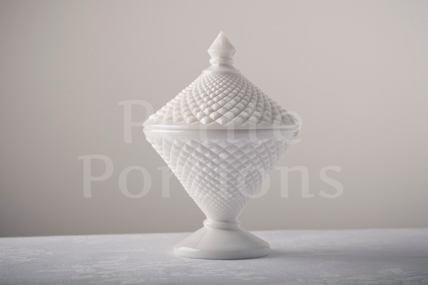 Compotes & Bowls - English Hobnail Diamond Candy Dish
